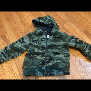 Babygap size 3 NWOT camo fleece